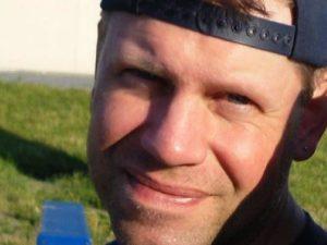 6 mesi di carcere e 30mila $ di multa al padre canadese che ha lottato contro la transizione della sua bambina