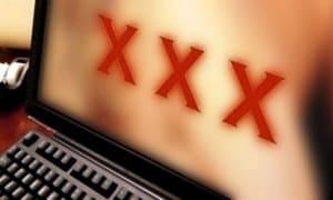 I PENTITI DEL PORNO<br /><span class='post-summary'>Giovani uomini sempre più consapevoli dei danni della pornografia: dipendenza, disfunzioni erettili, difficoltà nelle relazioni reali. Dopo l'impennata di consumi durante il Lockdown, in UK boom di servizi per smettere: dalla psicoterapia alle app che bloccano i contenuti sessuali. Ma la dipendenza comincia da giovanissimi</span>