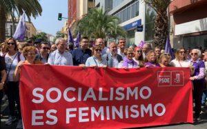 Spagna: femministe del Psoe seminano ostacoli sul cammino della Ley Trans<br /><span class='post-summary'>Dopo il recente voltafaccia dei socialisti spagnoli, che si erano schierati a favore della Ley Trans, le femministe del partito riaprono il dibattito, proponendo per il prossimo Congresso Federale emendamenti contro l'identità di genere. Che incontrano il consenso della base, mentre la direzione al momento tace</span>